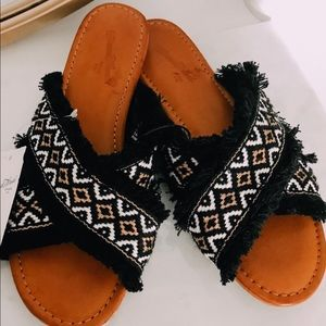 NWT: Universal thread boho sandals